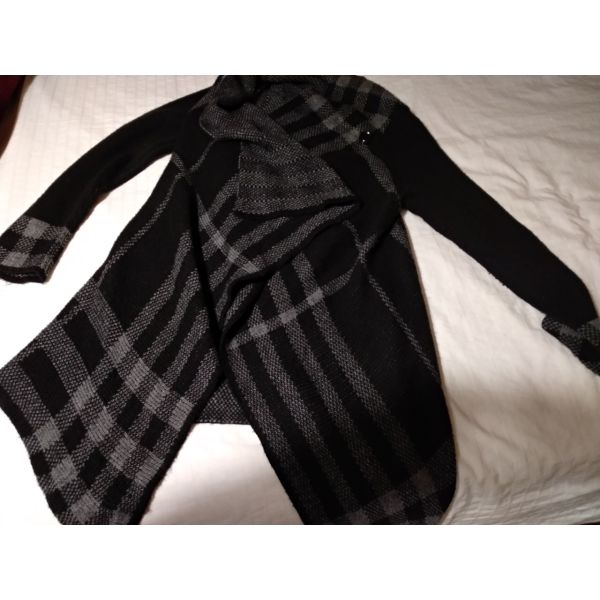 4c13be1a54 Διάφορα Γυναικεία επώνυμα ρούχα - € 10 - Vendora.gr