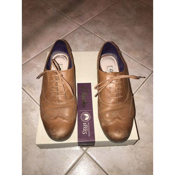 6ec7ec7b87d Πωλείται επώνυμο γυναικείο δερμάτινο ζευγάρι παπούτσια σε καφέ χρώμα με  κορδόνια ...