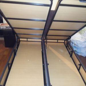 Διπλό κρεβάτι που γίνεται 2 μονά με αποθηκευτικό χώρο.