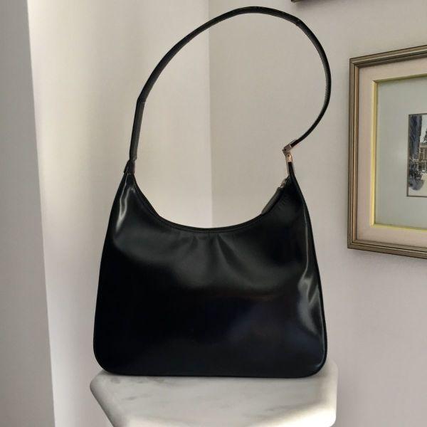 f9e2f57cad Kαλογήρου δερμάτινη μαύρη τσάντα ώμου - € 30 - Vendora.gr