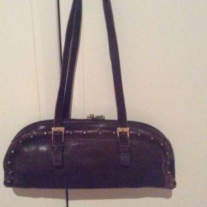 Δερμάτινη τσάντα τύπου back bag - αγγελίες σε Καρδίτσα - Vendora.gr f22216121ab