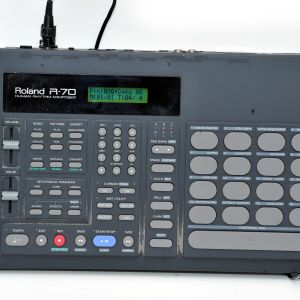 1030_180_ROLAND R-70 Rhythm Composer drum machine