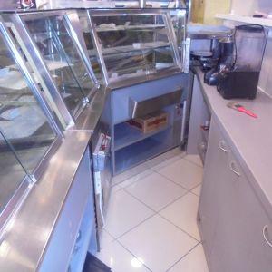 ΠΩΛΕΊΤΑΙ Βιτρίνα Αναψυκτηρίου σε τιμή ευκαιρίας - Cafe( σετ θερμά- ψυχρά)
