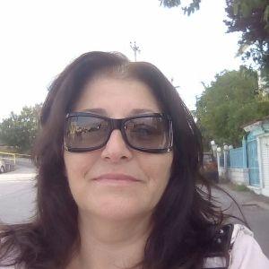 Είμαι Ελληνίδα 53 χρόνων αναλαμβάνω καθαρισμό σπιτιού και σιδερωμα