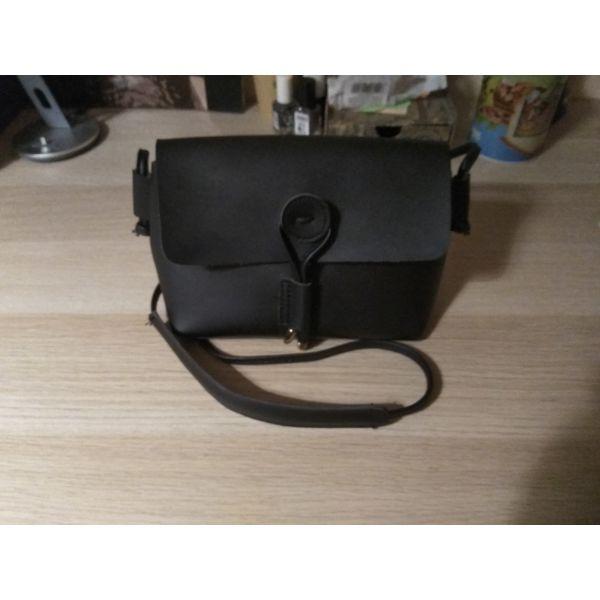 Τσάντα ώμου καινούργια - αγγελίες σε Αθήνα - Vendora.gr a72e1477157