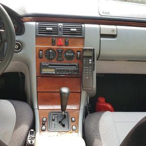 Mercedes Ε200