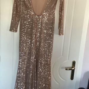 Shopping star-φόρεμα όλο παγετα