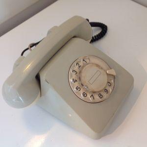 Παλια τηλέφωνα 2 τεμαχια vintage
