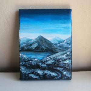 Μικρός πίνακας ζωγραφικής με ακρυλικά, με θέμα μπλε βουνά