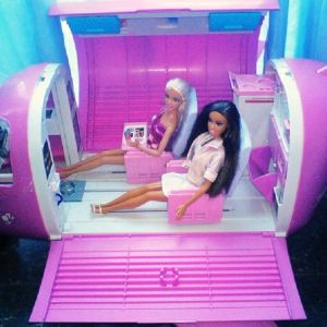Barbie αεροπλάνο, κούκλες και αξεσουάρ