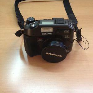 Ψηφιακή φωτογραφική μηχανή Olympous 7.1 MP.