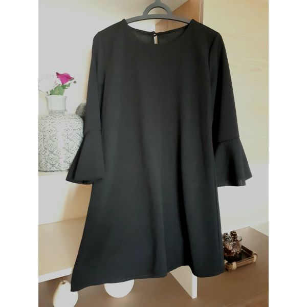 κομψό μίνι φόρεμα με μανίκι καμπάνα - αγγελίες σε Κρήτη - Vendora.gr e5da6c8b415