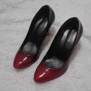 Κόκκινα παπούτσια,μαύρα παπούτσια!