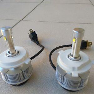 Εμπρόσθια φώτα αυτοκινήτου LED H4 6000K