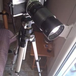 ΦΩΤΟΓΡΑΦΙΚΗ ΜΗΧΑΝΗ minolta με τηλεφακο vivitar και τριποδο