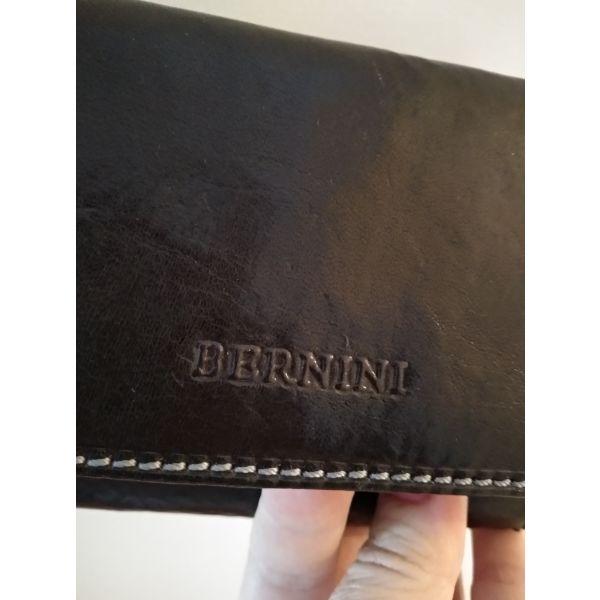 0928122928 Μαύρο γυναικείο πορτοφόλι με πολλές θήκες. - € 20 - Vendora.gr