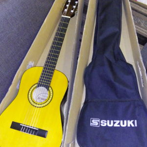 Ολοκαινουργια κλασικη κιθαρα  suzuki