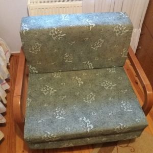 κρεβάτι-πολυθρόνα