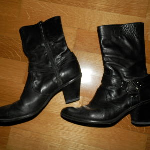 35e3ef7a0f 950 Μεταχειρισμένα Γυναικεία Παπούτσια προς πώληση σε Αθήνα