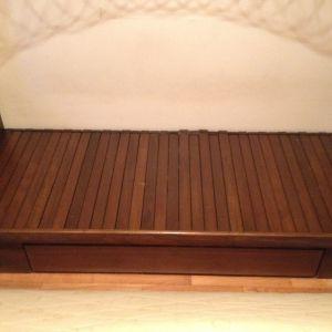 Κρεβάτι που γίνεται διπλό, με συρτάρι, και στρώμα Cocomat