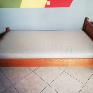 Ημιδιπλο κρεβάτι μασίφ