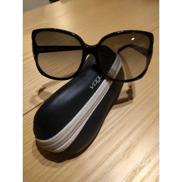Γυαλιά ηλίου Vogue - αγγελίες σε Ζωγράφου - Vendora.gr 421fffbfbf3