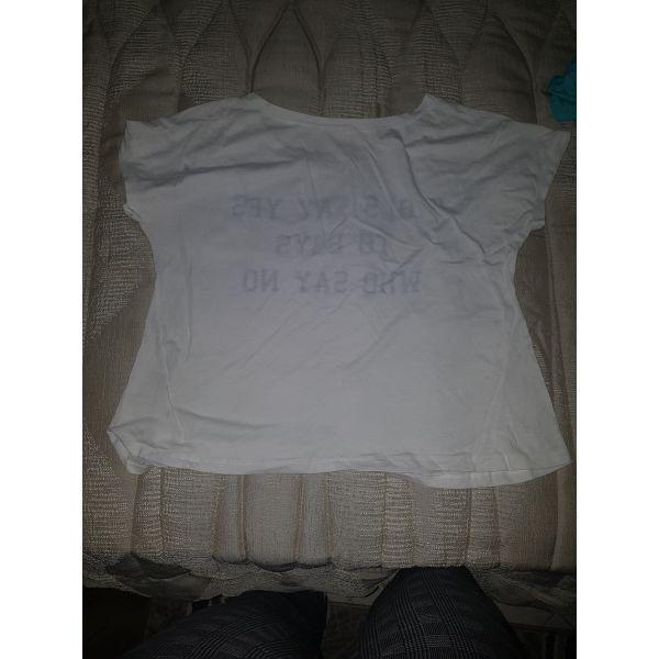 b6985eebb654 Μπλουζα με σταμπα - € 3 - Vendora.gr