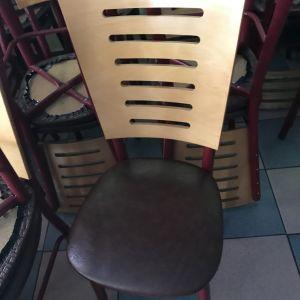 Τραπέζια καρέκλες