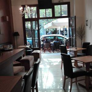 ΕΥΚΑΙΡΙΑ χώρος εστίασης/καφέ στην φράγκων !!!!