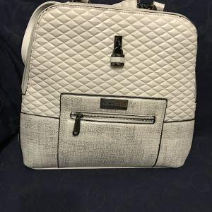 Τσάντα πλάτης, καινούργια