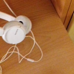Ακουστικα sony σχεδον αχρησιμοποιητα