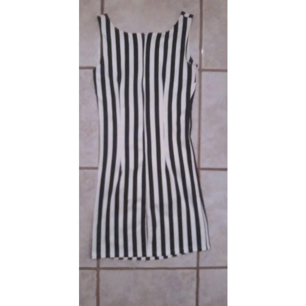 aefda3974d72 Φόρεμα M - € 37 - Vendora.gr