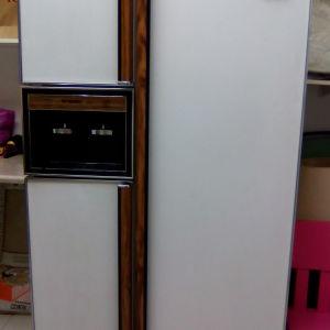 Πωλειται ψυγείο Ντουλάπα FRIGIDAIRE με τρεις πόρτες μοντέλο του 1990 Αμερικής