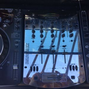 2 CDJ-1000  numark DM3002DX