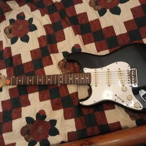 Ηλεκτρική κιθάρα και ενισχυτης